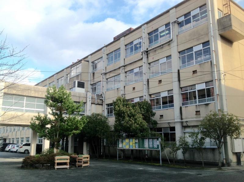 洛西中学校(京都市西京区)の投...