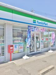 ファミリーマート久居庄田店