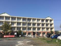 鶴崎中学校