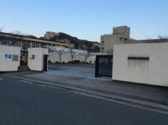 竜山中学校
