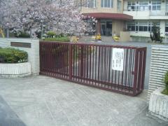 神島外小学校