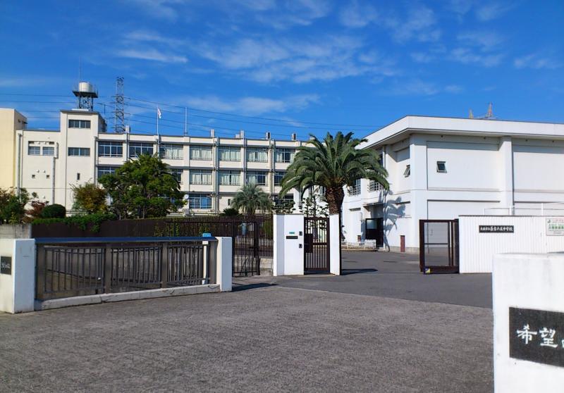 長吉六反中学校(大阪市平野区)...