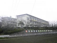 緑丘小学校