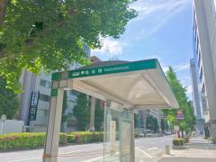 「亀島橋」バス停留所