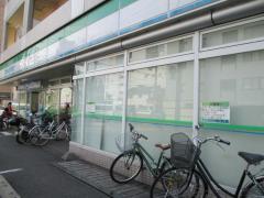 ファミリーマート和歌山十二番丁店