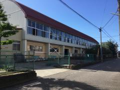 牡丹山小学校