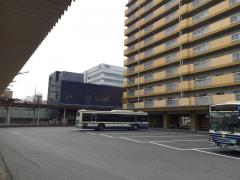 「名古屋港」バス停留所