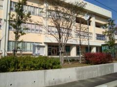 両川小学校