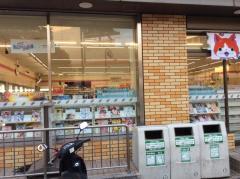 セブンイレブン 阪急岡町駅前店