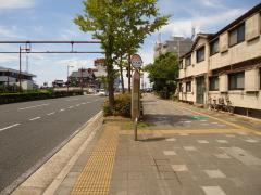 「小人町」バス停留所