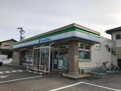ファミリーマート 氷見島尾店