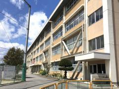 豊郷南小学校