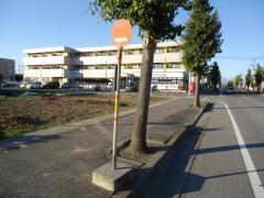 「坂東小入口」バス停留所