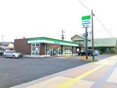 ファミリーマート 八日市東浜店