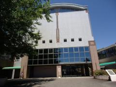 宮崎学園図書館