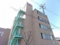 大阪物療大学2号館