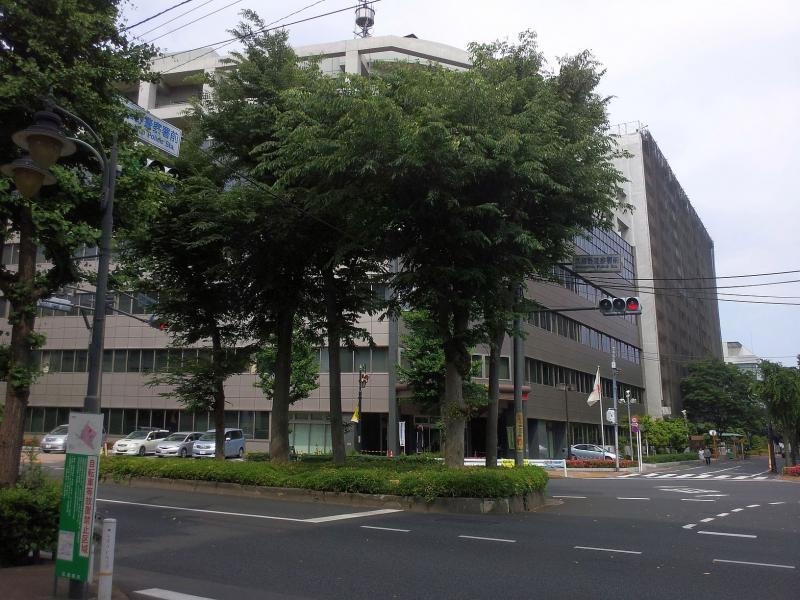 三鷹駅北口まっすぐ