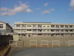 上真野小学校