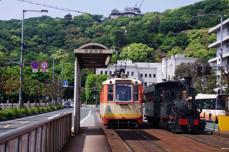 坊ちゃん列車と普通列車