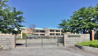 新荘小学校