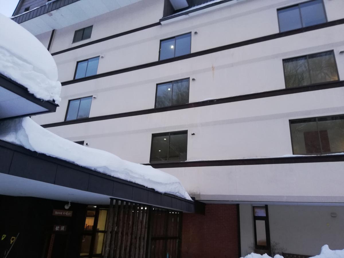 ホテル岩井温泉外観。