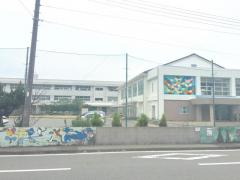 日置小学校