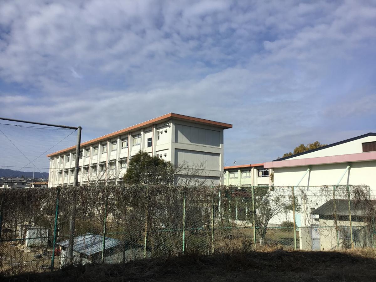 富雄南中学校 東から撮影