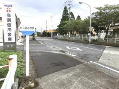 「加久藤小学校」バス停留所