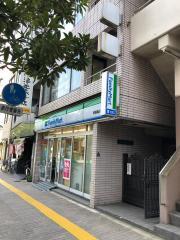 ファミリーマート 両国亀沢店