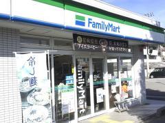 ファミリーマート 高知北竹島店